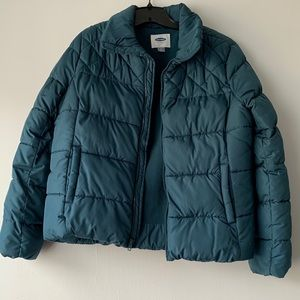 Old Navy Puffer Jacket in Good Condition.